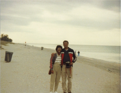DeBorah1986Dad_Beach