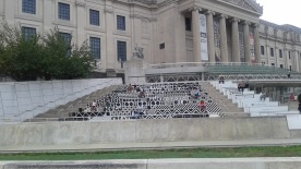 brooklyn-museum-outside-stairs