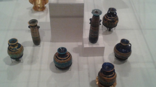 Tiny vessels and jars