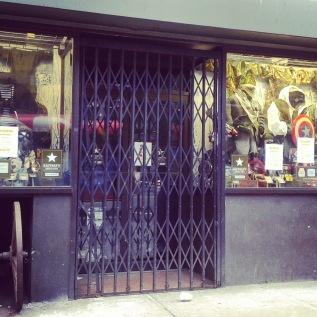 Canon Store Gate