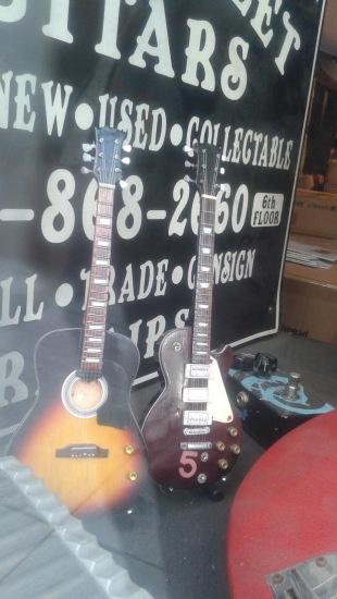 Small Tiny Mini Guitars